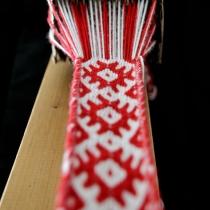 Tkaní na karetkách - slovanský motiv