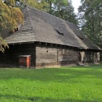 Valašské muzeum v přírodě - Dřevěné městečko - Sýpka z Prostřední Suché
