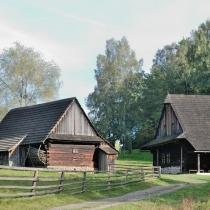 Valašská dědina -Šturalova pasekářská usedlost z Velkých Karlovic - Podťatého