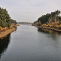 Výhled na vodní nádrž Švihov ze Sedmpanského mostu