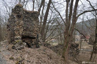 Zřícenina hradu Stará Dubá a pozůstatky města Odranec
